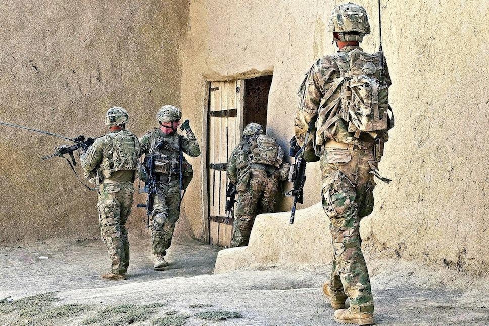 Afghanistan-house-raid1