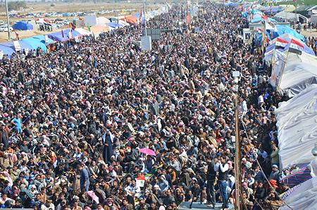 kv-fallujah-crowd
