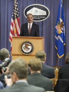 450px-Eric_Holder_at_Press_Conference_over_Guantanamo