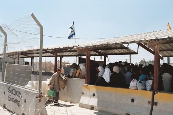 800px-RamallahCheckpoint
