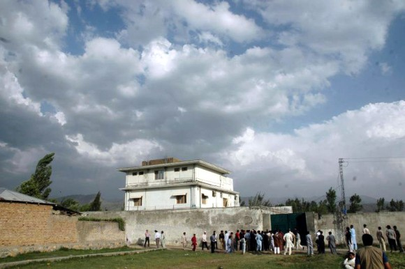 Osama_bin_Laden_compound2